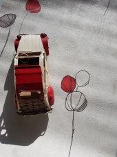 Sert Vinil Silinebilir Dallı Çilek Kırık Beyaz Duvar Kağıdı