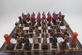 Satranç Takımı, Büyük Boy,osmanlı Ve Kırmızı Giysili Haçlılar,polyester Döküm, El Boyama