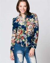 Mavi Çiçekli Bayan Gömlek