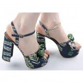 çiçek Desenli Nakışlı Bayan Ayakkabı