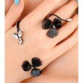 Siyah Metal Çiçek Figürlü Bayan El Bileziği