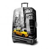 Sarı Taksi Şehir Manzarası Valiz Kılıfı Orta Boy