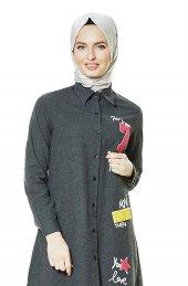 3d3221241ba81 2nıq Nakış Detaylı Tunik Siyah St5020 01. 2nıq Nakış Detaylı Tunik Siyah  St5020 01. 29,91 TL. butiketesettur. Kargo Bedava. Lady Nur Abiye Elbise ...