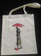 Yağmurda Aşk Temalı Bez Çanta Tote Bag Fermuarlı İç Cep