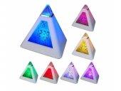 Renk Değiştiren Piramit Saat