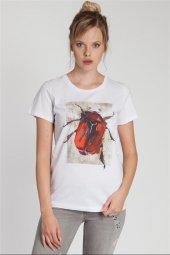 Zoey Böcek Baskılı Beyaz Tişört 160365 1